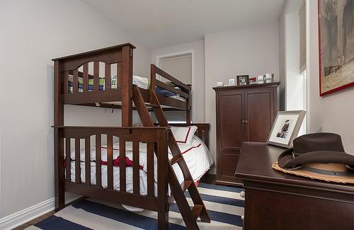 children bed photo